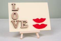 Fond de jour du ` s de Valentine avec des lettres d'amour, carte de voeux pour une femme-femme de couples Photographie stock