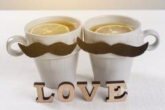 Fond de jour du ` s de Valentine avec des lettres d'amour, une carte de voeux pour le homme-homme de couples Image stock