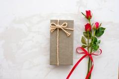 Fond de jour du ` s de Valentine, calibre, rose de rouge, symbole d'amour, et Images stock