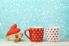 Fond de jour de valentines avec des tasses de café Photo stock