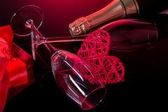 Fond de jour de valentines avec le champagne et les roses Photos libres de droits