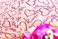 Fond de jour de valentines avec le coeur et les roses Type de cru Image libre de droits