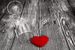 Fond de jour de valentines Bois avec le coeur et le verre Concept de valentines Photo libre de droits