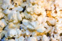 Fond de maïs éclaté images stock