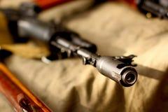 Fond de militaires de Weapons de terroriste d'AK-47 de Soviétique Photographie stock libre de droits