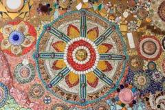 Fond de mur décoré de la porcelaine thaïlandaise Photos libres de droits