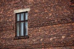 Fond de mur de briques avec la fenêtre Image stock