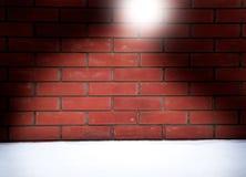 Fond de mur de briques de Noël avec la forme du chapeau de Santa images stock