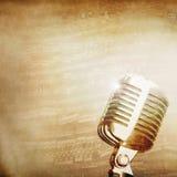 Fond de musique avec la vieille MIC Photographie stock libre de droits