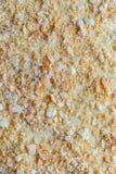 Fond de napoléon multicouche de gâteau rond crème anglaise, arrosée avec des miettes photographie stock