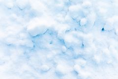 Fond de neige et de cristal de glace ou texture du parc russe de la forêt photos libres de droits