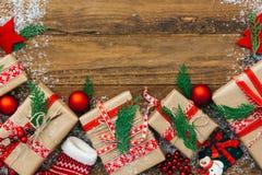 Fond de Noël avec des décorations photographie stock
