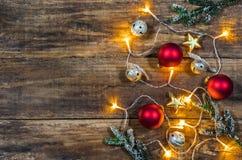 Fond de Noël avec des ornements de Noël Photographie stock libre de droits