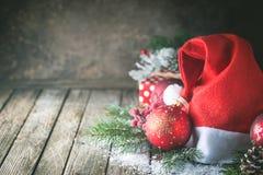 Fond de Noël avec le chapeau de Santa image stock