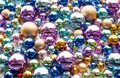 Fond de Noël de boules en verre photographie stock libre de droits