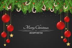 Fond de Noël Boules rouges et étoiles d'or Lucettes de sucre Baies de Milou avec un arbre de sapin sur un fond foncé illustration libre de droits