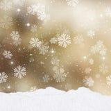 Fond de Noël d'or avec des monticules de neige Images stock