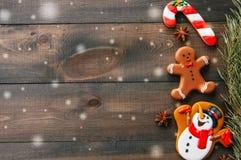 Fond de Noël Différentes formes des biscuits de pain d'épice Photo stock