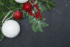 Fond de Noël noir ou de nouvelle année avec un cadre Photographie stock