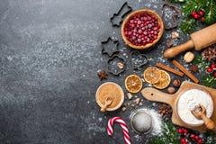Fond de Noël Tableau pour des biscuits de cuisson de vacances avec l'ingr images stock
