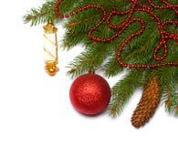 Fond de Noël Vue supérieure avec l'espace de copie arbre de sapin avec le cône d'isolement sur le fond blanc Photos stock