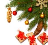 Fond de Noël Vue supérieure avec l'espace de copie arbre de sapin avec le cône d'isolement sur le fond blanc Photo stock
