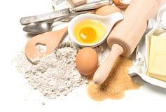 Fond de nourriture Préparation de la pâte Tableau avec des ingrédients de traitement au four Images stock