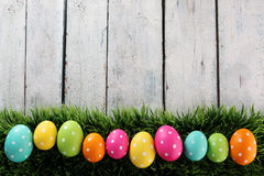 Fond de Pâques avec l'herbe Image stock