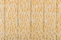Fond de pain croustillant carrelé sur la table image libre de droits