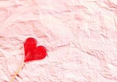 Fond de papier de valentines froissé par rose texturisé Images libres de droits