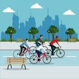 Fond de Park City de vélo d'équitation de personne de groupe jeune Images libres de droits