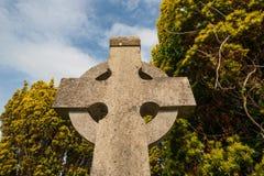 Fond de pierre tombale de croix celtique Image libre de droits