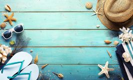 Fond de plage - accessoires d'été photos libres de droits