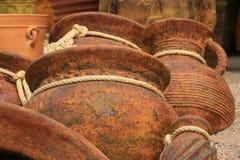 Fond de poterie avec des relations étroites de corde Images libres de droits