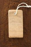 Fond de poudre de café et prix d'étiquette Photo stock