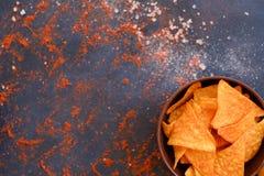 Fond de préparation d'épice de nourriture de frites de nacho de tortilla images libres de droits