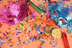 Fond de Purim avec le masque de carnaval, le costume de partie et le hamantasc photographie stock libre de droits