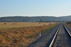 Fond de rail de train en journée Photos libres de droits