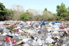 Fond de rebut de paysage de déchets, beaucoup de déchets de rebut photo libre de droits