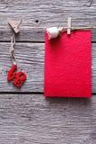 Fond de Saint Valentin, amour de mot et carte sur le bois Photo stock