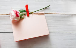 Fond de Saint Valentin, carte sur le bois Photographie stock