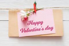 Fond de Saint Valentin, carte sur le bois Image libre de droits