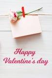 Fond de Saint Valentin, carte sur le bois Images libres de droits
