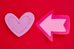 Fond de soins de santé avec le signal de coeur et de flèche valentine Images libres de droits