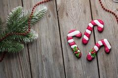 Fond de table de bois de construction de biscuits de pain de gingembre de Noël vieux pour le graphique et la conception web, conc images libres de droits