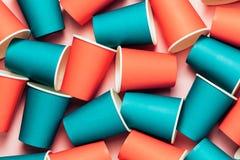 Fond de tasses de Plastick Concept de corail vivant de pollution d'environnement photo stock