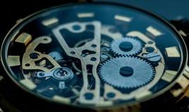 Fond de technologie avec des vitesses en métal et Photo libre de droits
