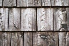 Fond de texture des tuiles en bois de toit Photo libre de droits