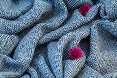 Fond de toile grise tricotée de la laine du ` s de chèvre faite avec le knitti Image stock