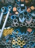 Fond de tuyaux d'acier et de tubes de l'eau photos libres de droits